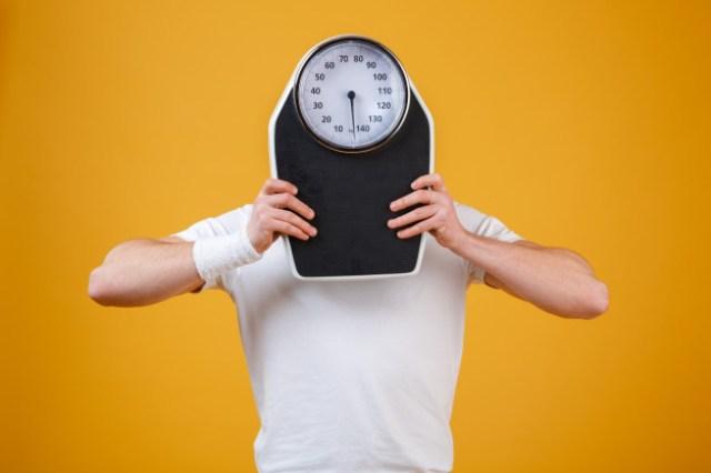 https: img.okezone.com content 2021 01 18 620 2346252 bisakah-berat-badan-langsung-naik-usai-makan-terlalu-banyak-y3hjsu1mTG.jpg