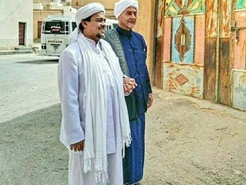 https: img.okezone.com content 2021 01 19 337 2347316 ulama-kharismatik-habib-abdullah-bin-ali-alattas-wafat-laEmHi8Gx3.jpg