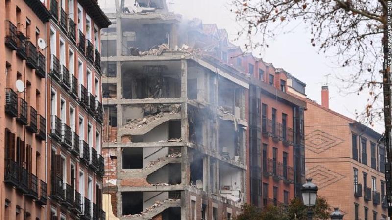 https: img.okezone.com content 2021 01 20 18 2348018 ledakan-dahsyat-di-madrid-diduga-dari-kebocoran-gas-eheh1vJqGE.jpg