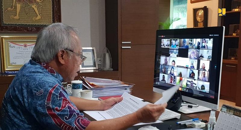 https: img.okezone.com content 2021 01 20 320 2347755 menteri-basuki-buka-bukaan-soal-proyek-infrastruktur-pakai-surat-utang-k5hv7YnQMy.jpg