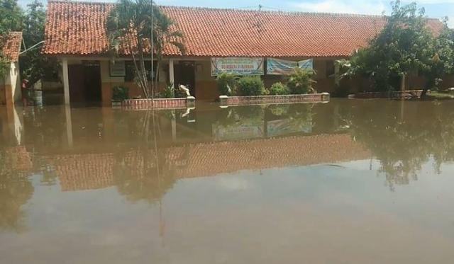 https: img.okezone.com content 2021 01 20 512 2347840 gawat-kota-pekalongan-bisa-tenggelam-tahun-2036-ini-penyebabnya-RaEj5AlGX7.jpg