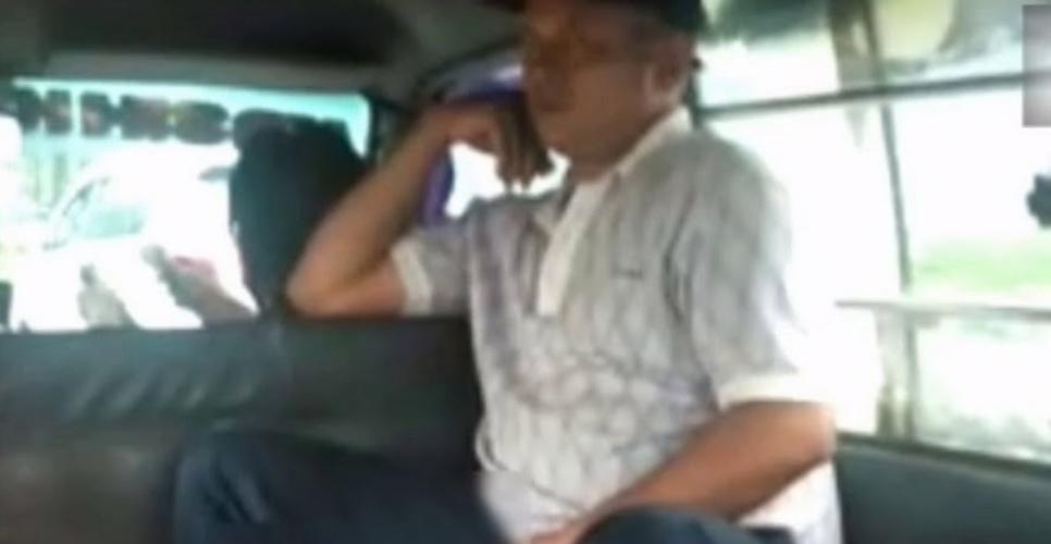 https: img.okezone.com content 2021 01 20 608 2347927 viral-pria-pamer-kemaluan-dalam-angkot-di-medan-polisi-cek-tkp-UvQ4y5Slds.jpg