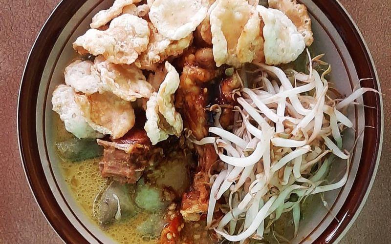 https: img.okezone.com content 2021 01 21 301 2348152 8-kuliner-khas-sumedang-enggak-cuma-tahu-goreng-loh-KwrfebGO9g.jpg