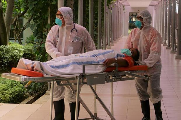 https: img.okezone.com content 2021 01 21 338 2348605 viral-puluhan-pasien-covid-19-diangkut-dari-puskesmas-ciracas-BIwCsflhNC.jpg
