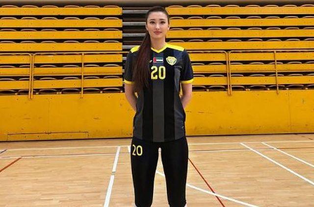 https: img.okezone.com content 2021 01 21 43 2348058 kecantikan-sabina-altynbekova-mengalihkan-fans-dari-turnamen-voli-4cgK430iaM.JPG