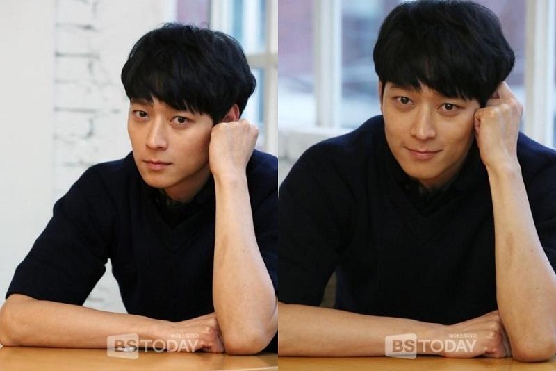 https: img.okezone.com content 2021 01 21 620 2348550 kang-dong-won-dua-kali-perpanjang-kontrak-dengan-yg-entertainment-cRkJMqP148.jpg