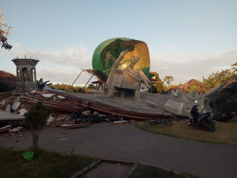 https: img.okezone.com content 2021 01 22 320 2349065 bank-dunia-sebut-indonesia-peringkat-ke-12-sering-terkena-bencana-jEDNezyPg1.jpg