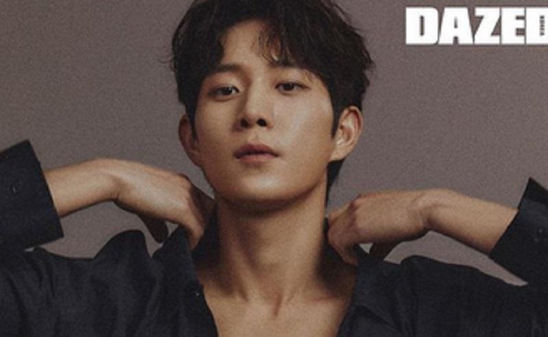 https: img.okezone.com content 2021 01 23 194 2349477 4-potret-ganteng-kim-young-dae-aktor-drama-the-penthouse-ovgBU9xkl8.jpg