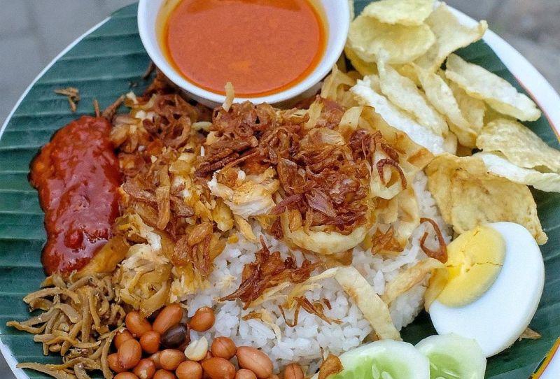 https: img.okezone.com content 2021 01 23 301 2349607 yummy-5-kuliner-jambi-paling-menggoyang-lidah-gOERMKEPJl.jpg