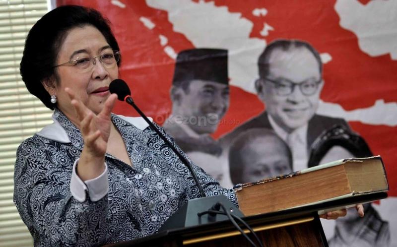 https: img.okezone.com content 2021 01 23 337 2349611 dirgahayu-ibu-mega-teladan-politik-indonesia-dan-pejuang-nasionalisme-ukNgVbDPZN.jpg
