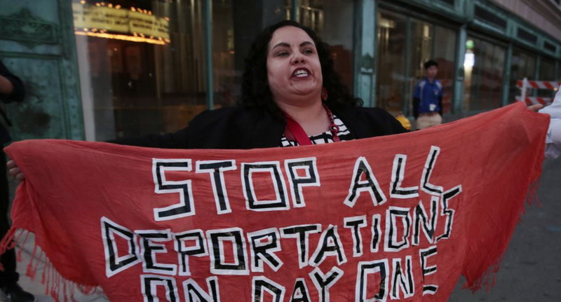 https: img.okezone.com content 2021 01 24 18 2349826 texas-gugat-pemerintahan-biden-karena-hentikan-deportasi-cMLYLvdtwn.jpg