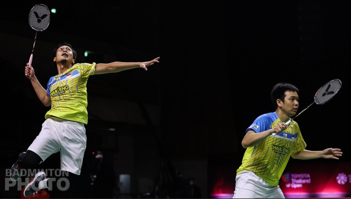 https: img.okezone.com content 2021 01 24 40 2349702 ahsan-hendra-ungkap-faktor-kekalahan-di-semifinal-thailand-open-2021-I2MuzSWqff.jpg
