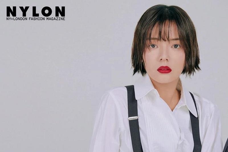 https: img.okezone.com content 2021 01 25 33 2350201 aktris-song-yoo-jung-tewas-bunuh-diri-di-usia-27-tahun-efPIBEwRBi.jpg