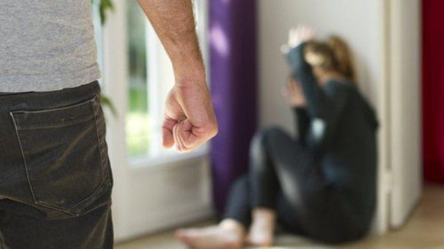 https: img.okezone.com content 2021 01 25 340 2350203 kesal-istri-tanya-soal-teman-ingin-nikah-lagi-suami-lempar-istri-dengan-sekop-qDgdXjrxJb.jpg