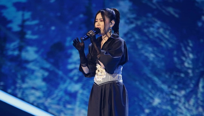 https: img.okezone.com content 2021 01 25 598 2350689 buka-indonesian-idol-special-season-melisa-hartanto-dapat-3-standing-ovation-cLZw824n0w.jpg
