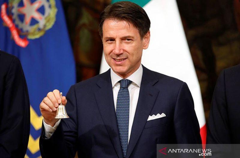 https: img.okezone.com content 2021 01 26 18 2350744 pm-italia-disebut-ingin-mengundurkan-diri-dan-bentuk-pemerintahan-baru-6i6dptyG9h.jpg