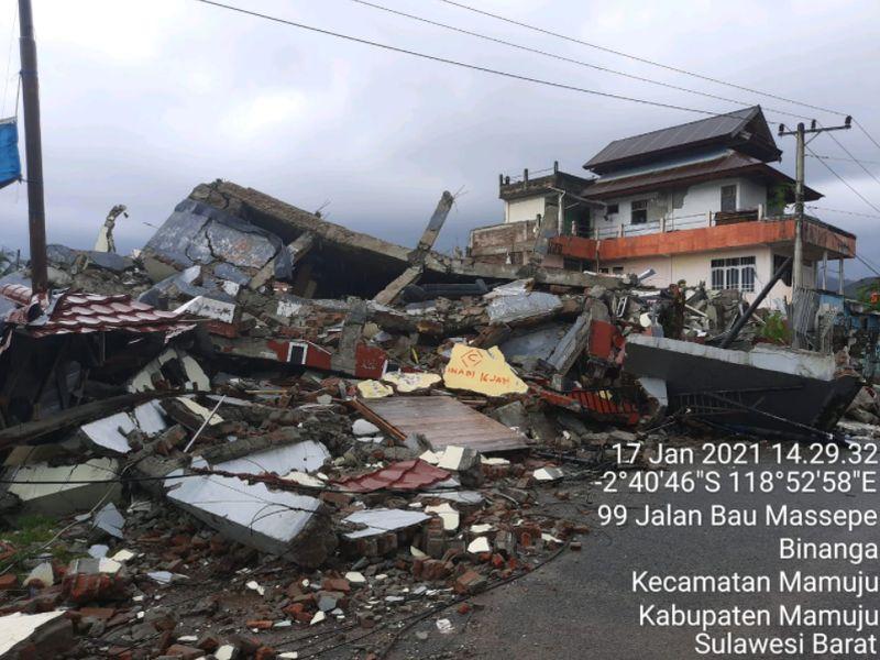https: img.okezone.com content 2021 01 26 337 2350756 4-bencana-di-awal-2021-dari-banjir-hingga-gempa-dahsyat-LCB1VwRVwz.jpg