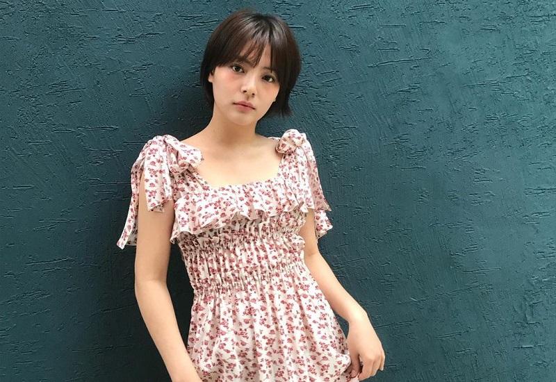 https: img.okezone.com content 2021 01 26 612 2350794 6-potret-song-yoo-jung-aktris-cantik-korea-yang-meninggal-diduga-bunuh-diri-Rlk2INsEm2.jpg