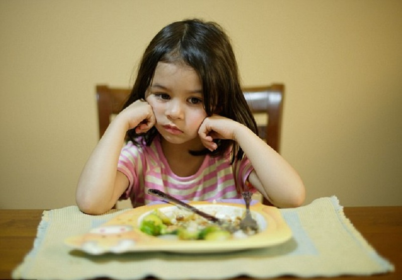 https: img.okezone.com content 2021 01 26 612 2351259 zaman-sudah-maju-anak-anak-indonesia-masih-ada-yang-kekurangan-yodium-Y1R2jTz7Gn.jpg