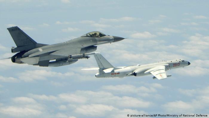 https: img.okezone.com content 2021 01 27 18 2351482 pesan-dingin-china-ke-biden-beijing-terbangkan-15-pesawat-tempur-ke-wilayah-udara-taiwan-BjR5iSmdJC.jpg