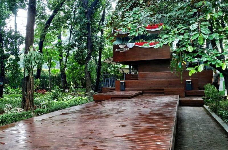 https: img.okezone.com content 2021 01 27 301 2351604 tempat-asyik-buat-ngopi-di-hutan-tengah-kota-jakarta-p8Tl38VKl2.jpg