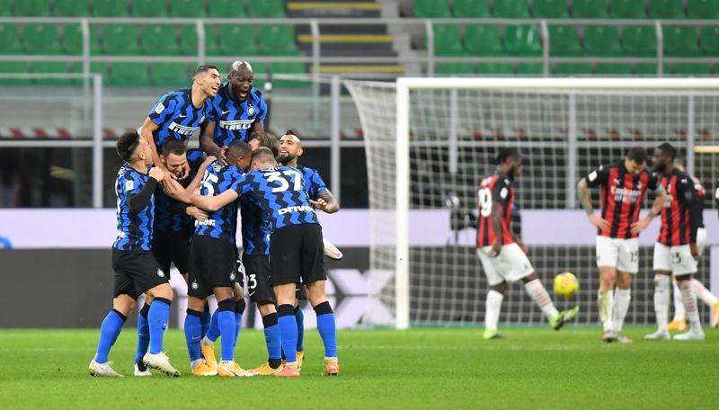 https: img.okezone.com content 2021 01 27 47 2351718 menangi-derby-milan-di-coppa-italia-gelandang-inter-kami-lebih-baik-dari-rossoneri-Otgzl3ImM6.JPG