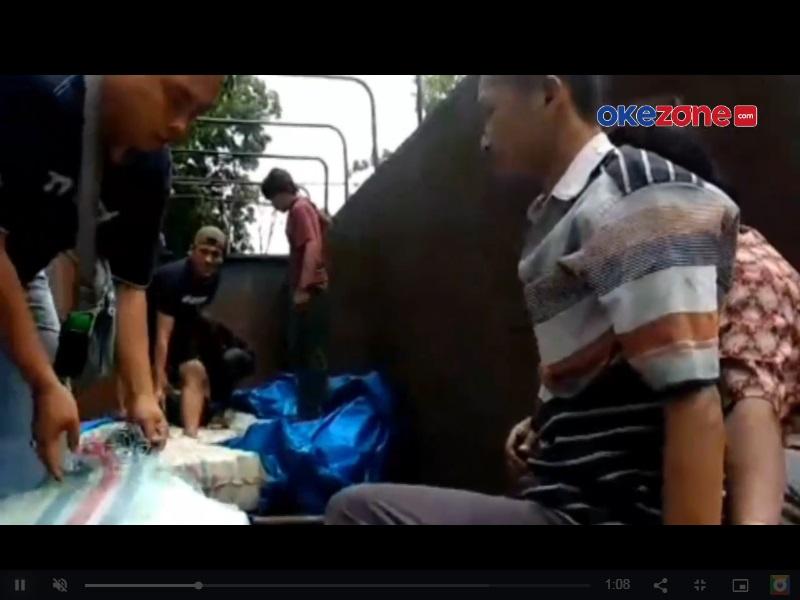 https: img.okezone.com content 2021 01 27 608 2351512 polisi-gagalkan-penyeludupan-575-kg-ganja-3-orang-ditangkap-gfJyf8CdFy.jpg