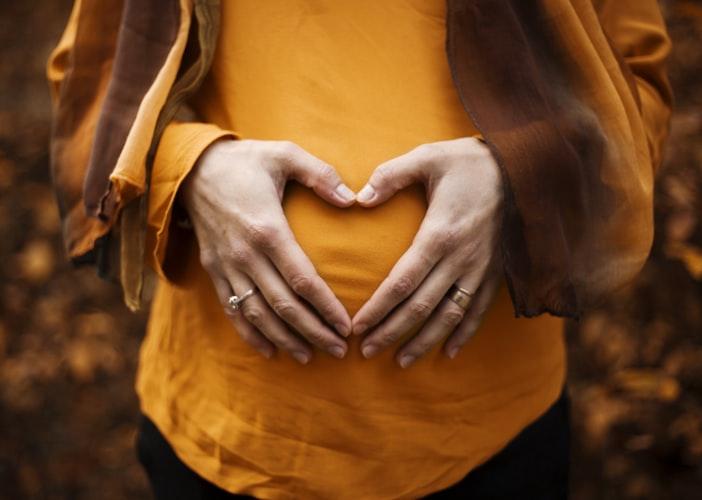 https: img.okezone.com content 2021 01 28 620 2352388 9-asupan-kaya-vitamin-a-yang-baik-untuk-ibu-hamil-dan-janin-bLdaz0bdk9.jpg