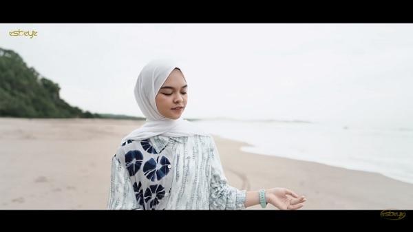 https: img.okezone.com content 2021 01 29 205 2353068 lirik-lagu-ya-imamarusli-syahla-sDPYBcEpaU.jpg