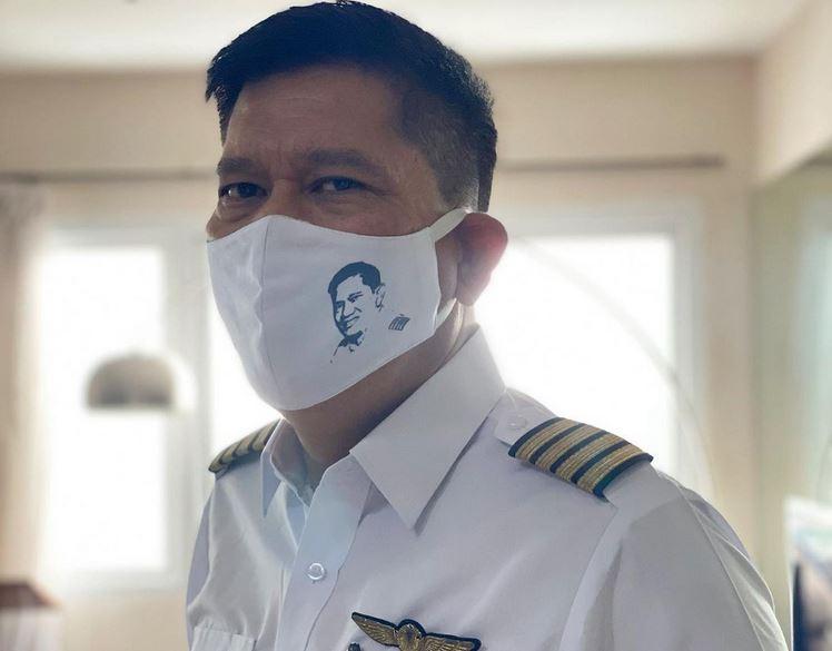 https: img.okezone.com content 2021 01 29 406 2352757 menegangkan-begini-momen-pesawat-kapten-edward-limbong-batal-landing-8Lku9yjWKh.JPG