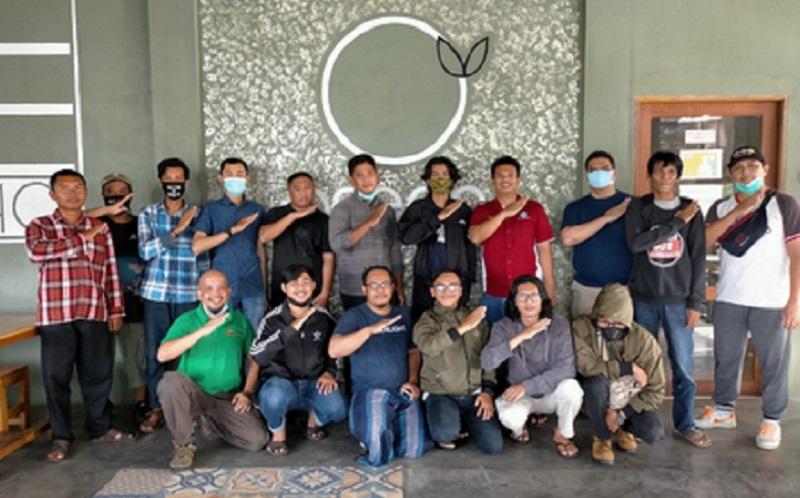 https: img.okezone.com content 2021 01 29 612 2353278 komunitas-blogger-kubu-raya-resmi-terbentuk-di-kopdar-perdana-awal-tahun-2021-B9MXI4EVnm.jpg