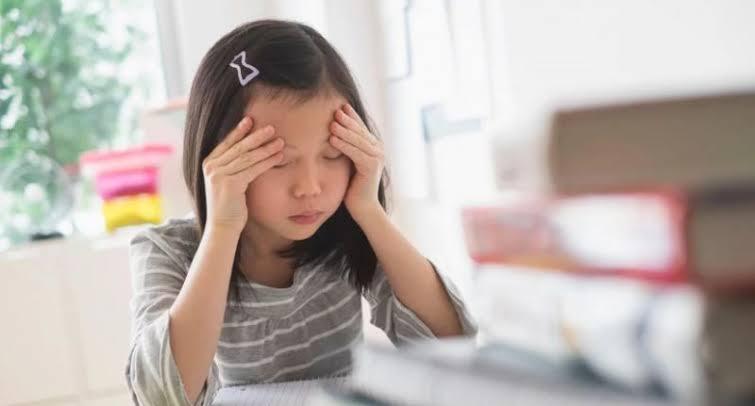 https: img.okezone.com content 2021 01 29 612 2353308 belajar-online-membuat-anak-rentan-stres-ini-kata-psikolog-6opbVVfcaN.jpeg