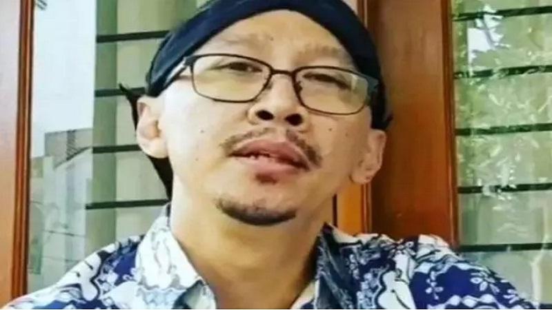 Tak Tahan Arogansi Abu Janda Netizen Nazar Wakafkan Gajinya Selama Pelaku Rasis Itu Dihukum Okezone Nasional