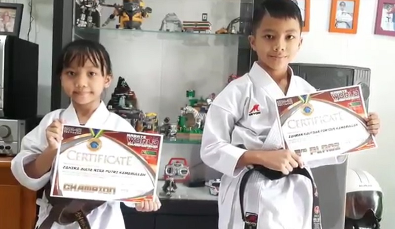 https: img.okezone.com content 2021 01 30 43 2353678 bikin-bangga-2-karateka-cilik-indonesia-juarai-kejuaraan-tingkat-dunia-4ouZkbaU07.jpg