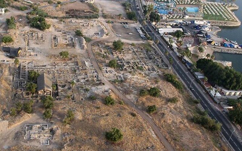 https: img.okezone.com content 2021 01 30 614 2353580 situs-masjid-era-generasi-setelah-rasulullah-saw-ditemukan-di-tiberias-nywHPkjurk.jpg