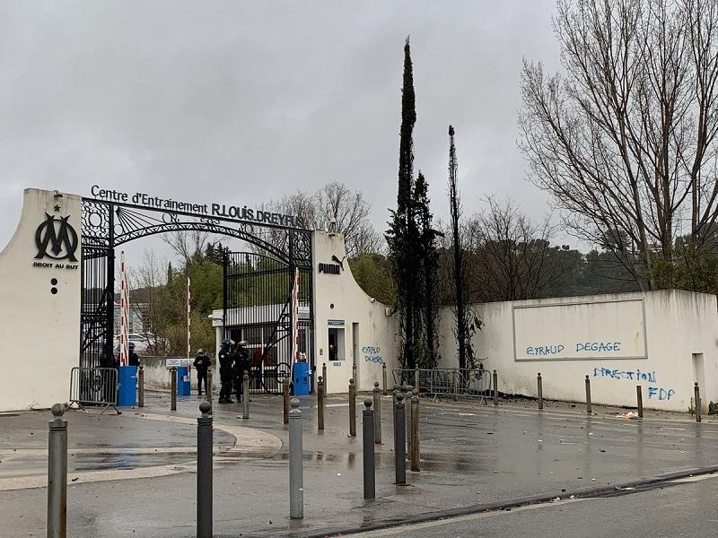 Markas Latihan Rusak Diserang Penggemar, Marseille Tempuh Jalur Hukum : Okezone Bola