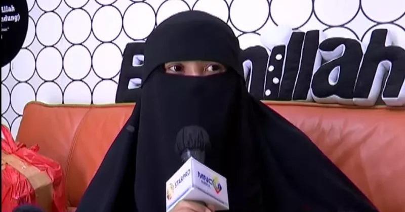 https: img.okezone.com content 2021 02 01 33 2354729 ucapan-mendalam-indadari-pada-soraya-abdullah-meninggal-karena-covid-19-KhjkxQrV7i.jpg