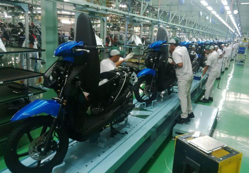 https: img.okezone.com content 2021 02 01 53 2354659 daftar-harga-merek-motor-bebek-di-indonesia-per-februari-2021-xyZoV3hsdZ.jpg