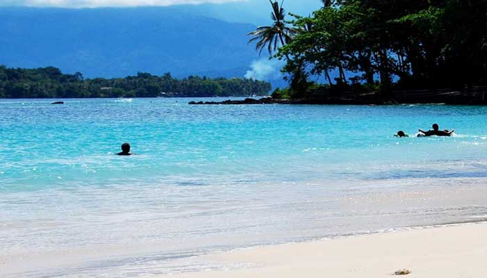 https: img.okezone.com content 2021 02 02 408 2354945 6-surga-wisata-di-manokwari-pulau-mansinam-hingga-teluk-doreri-XLQy4h4Wlf.jpg