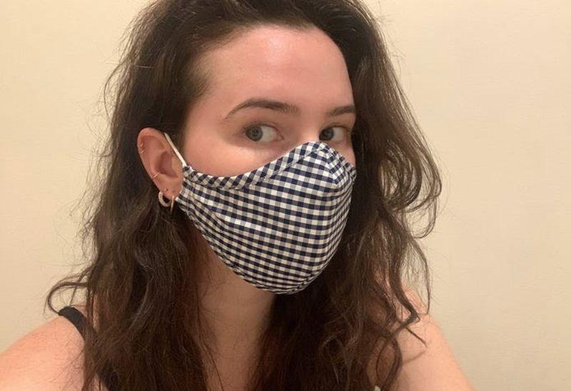 https: img.okezone.com content 2021 02 02 612 2355296 4-penyebab-anda-jerawatan-karena-memakai-masker-DRRa0x2co6.jpg