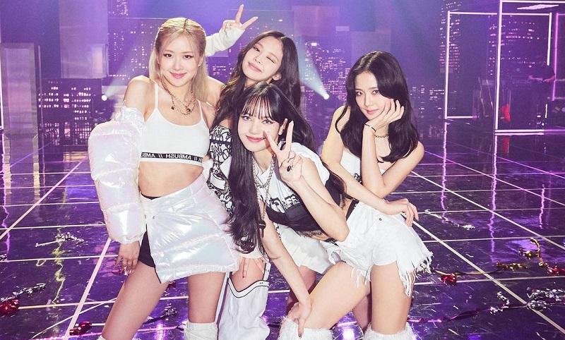 https: img.okezone.com content 2021 02 03 205 2356039 5-lagu-korea-yang-populer-di-tiktok-NrMqrKqZsj.jpg