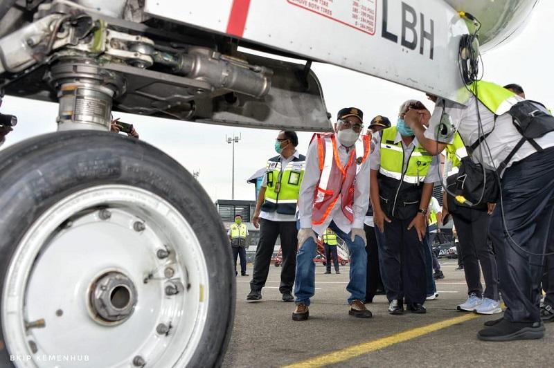 https: img.okezone.com content 2021 02 03 320 2355897 kecelakaan-sriwijaya-air-sj-182-menhub-janji-tingkatkan-kesadaran-keselamatan-JdpiHJcRar.jpg