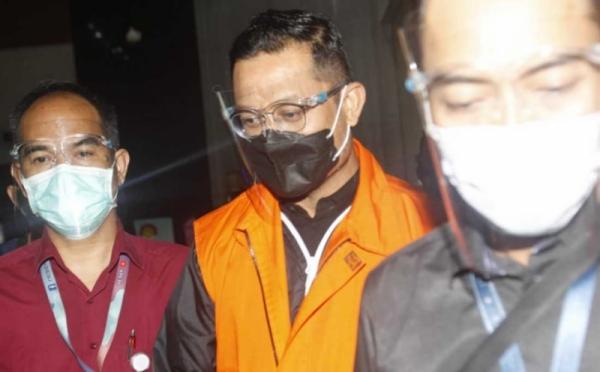 https: img.okezone.com content 2021 02 03 337 2356023 kpk-perpanjang-penahanan-eks-mensos-juliari-batubara-0YLgnSzVoV.jpg