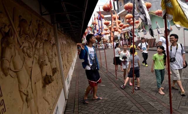 https: img.okezone.com content 2021 02 03 406 2356102 turis-asing-ke-sulawesi-utara-dominan-berasal-dari-china-cJzc1YmZYG.JPG