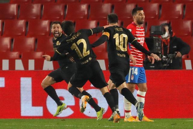 https: img.okezone.com content 2021 02 04 46 2356132 drama-8-gol-warnai-kemenangan-barcelona-atas-granada-CcTgzNVyzh.jpg