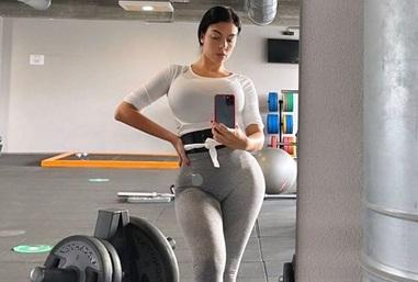 Hasil gambar untuk Georgina Rodriguez usai olahraga