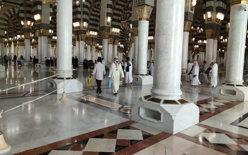 https: img.okezone.com content 2021 02 04 614 2356304 eksklusif-dari-tanah-suci-subhanallah-syahdunya-azan-subuh-di-masjid-nabawi-oDvWfbwGCu.jpg