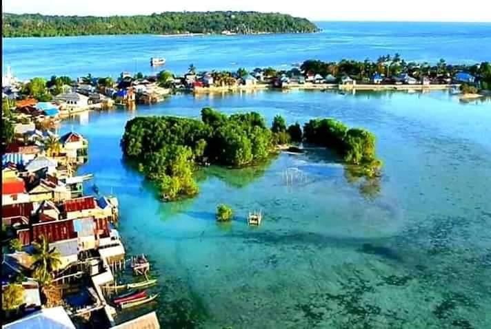 https: img.okezone.com content 2021 02 05 406 2357336 balada-pulau-geser-dan-segudang-potensi-wisata-tersembunyi-8iFgFl3VID.jpg