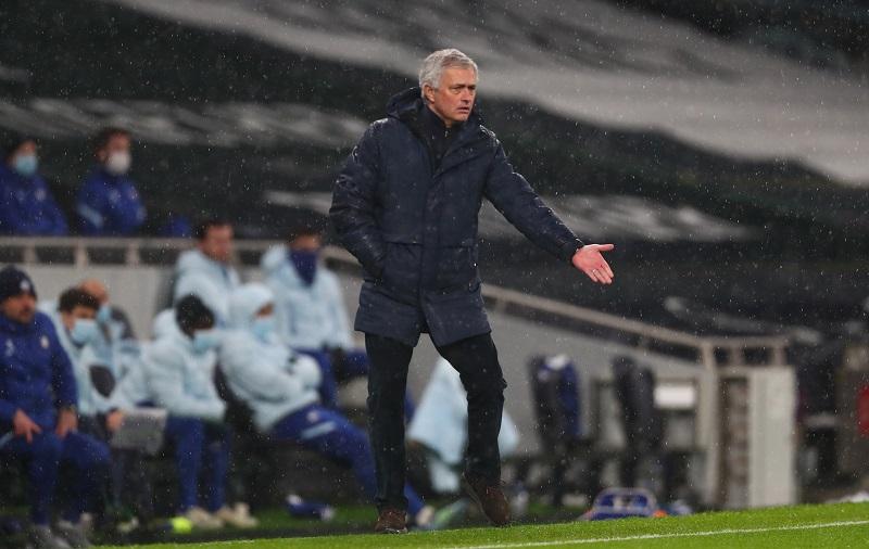 https: img.okezone.com content 2021 02 05 45 2356795 mourinho-lihat-sisi-positif-dari-kekalahan-tottenham-hotspur-sXEmkI5EoX.JPG