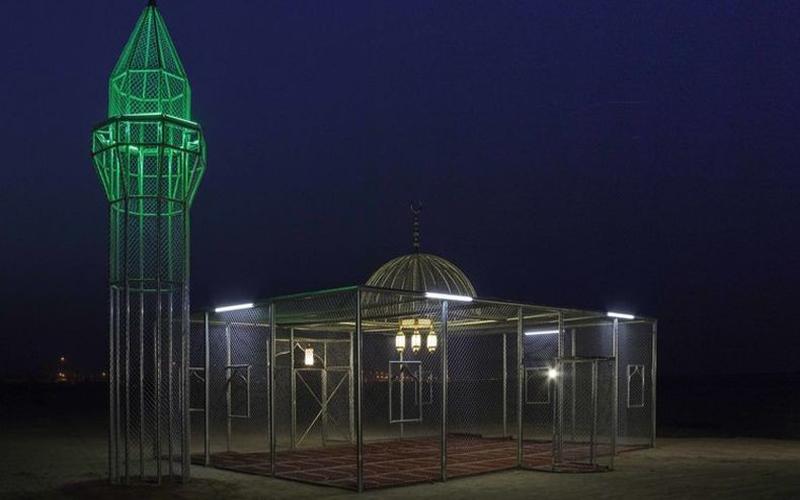 https: img.okezone.com content 2021 02 05 614 2357033 masjid-transparan-di-arab-saudi-pimpro-surga-punya-banyak-pintu-B2nMut0qA1.jpg